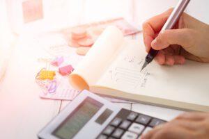 Korzystając z biura rachunkowego na jakie usługi można liczyć?