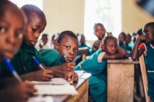 Jak założyć prywatną szkołę językową?
